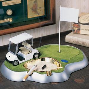 机の上のゴルフ場 灰皿ライターセット画像