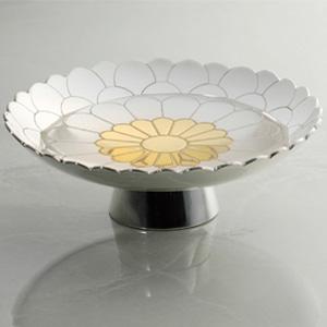 金銀工作家手彫り菊紋盃画像