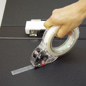 片手で切って貼れるテープカッター